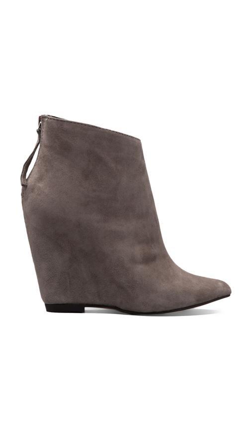 Boots Beryl