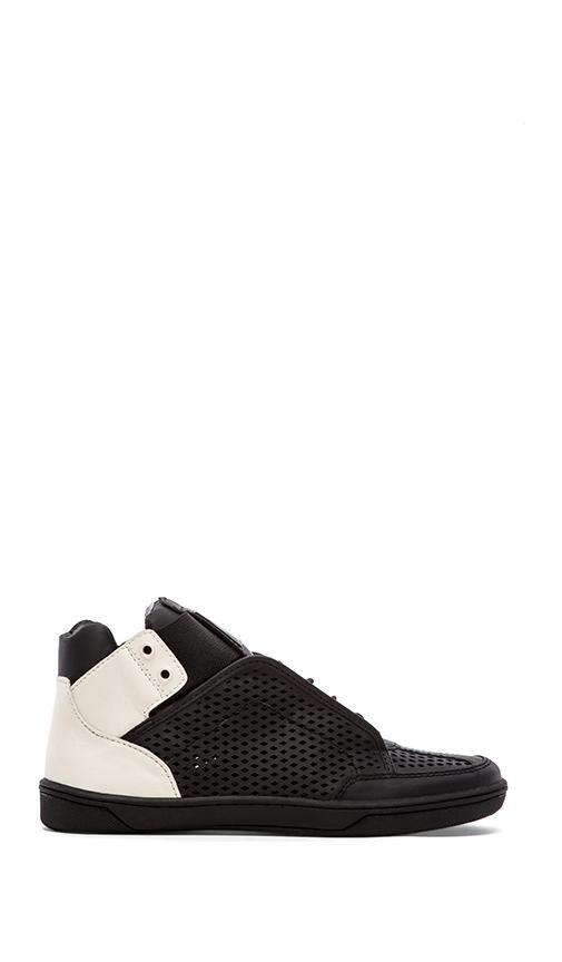 Vinna Sneaker