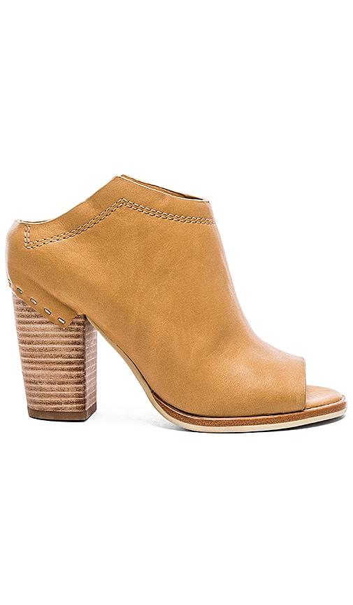 Dolce Vita Noa Heel in Caramel Leather
