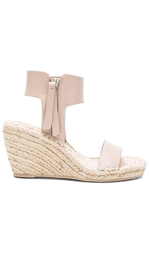 Dolce Vita Gisele Sandal in Taupe
