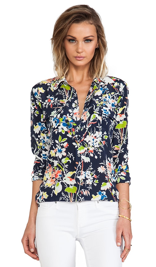 Slim Signature Floral Demonstration Blouse