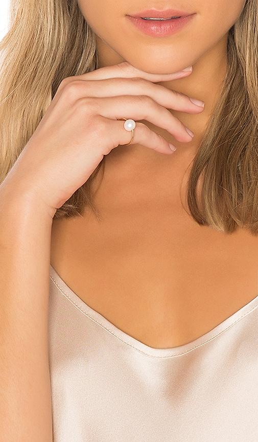 ERTH Pearl Ring in Metallic Gold