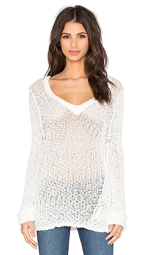 Feel the Piece Aren V Neck Sweater in White
