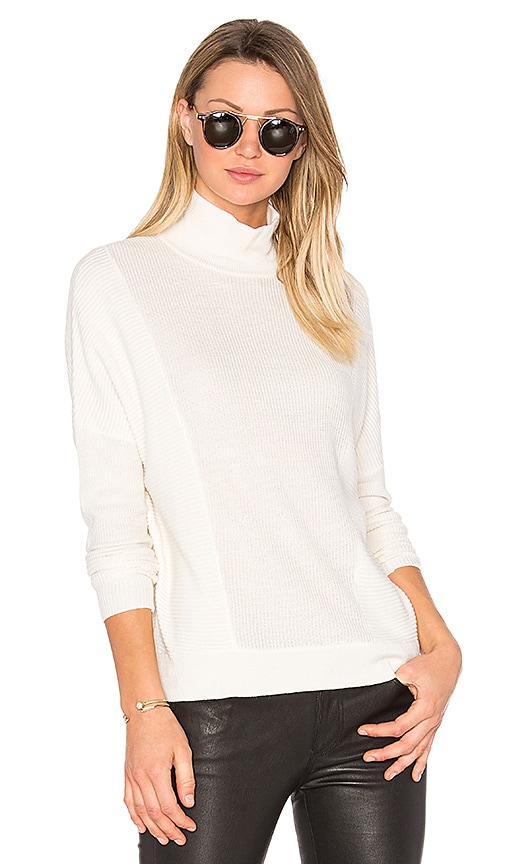Feel the Piece Chester Sweater in White