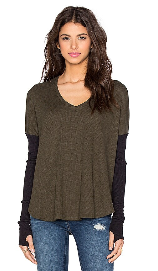 Feel the Piece Scout Top in Heather Forestine & Black