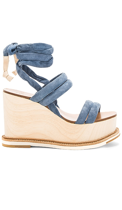 Flamingos Lily Wedge in Blue