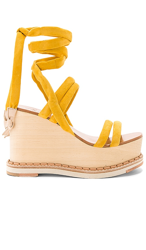 Flamingos Lily Wedge in Yellow