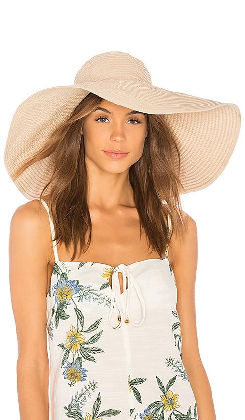 Natasha Hat