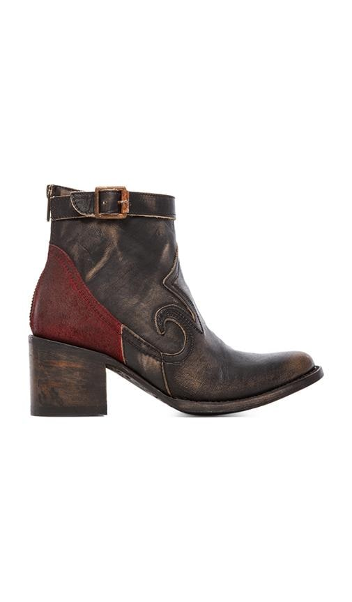 Brick Boot