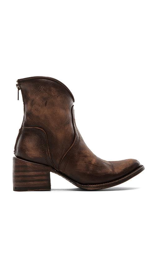Peak Boot