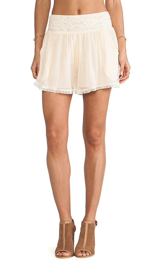Crochet Mid Rise Short