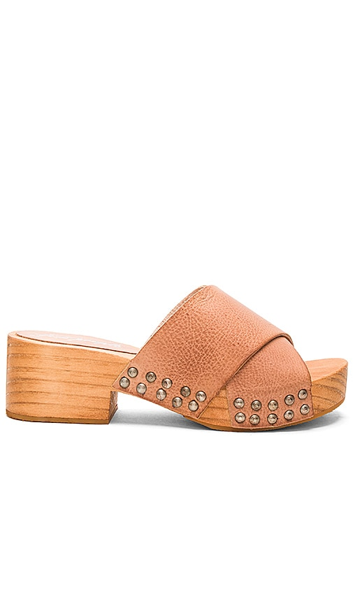 Free People Sonnet Clog in Tan