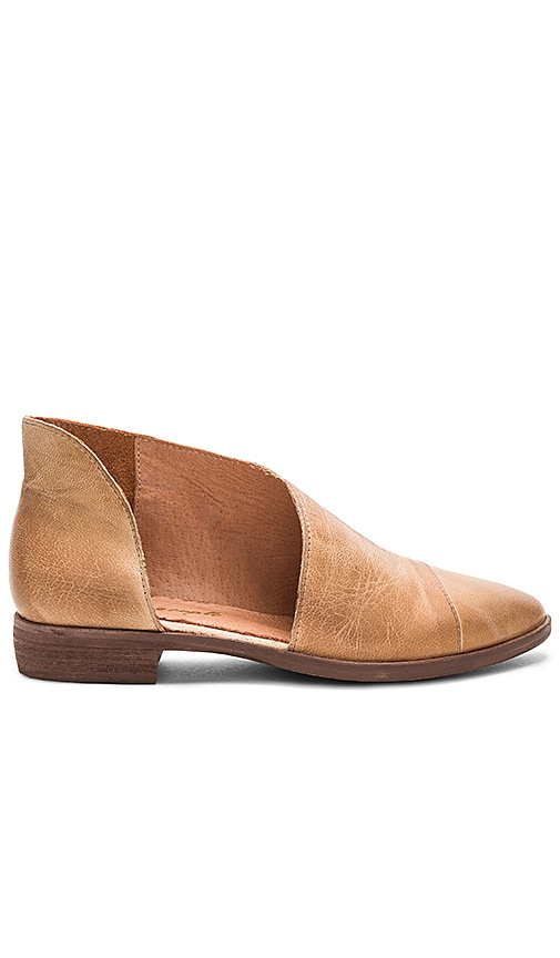 Free People Royale Flat in Tan