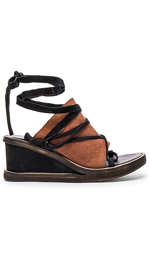 Free People Bowery Wedge in Black & Tan Combo
