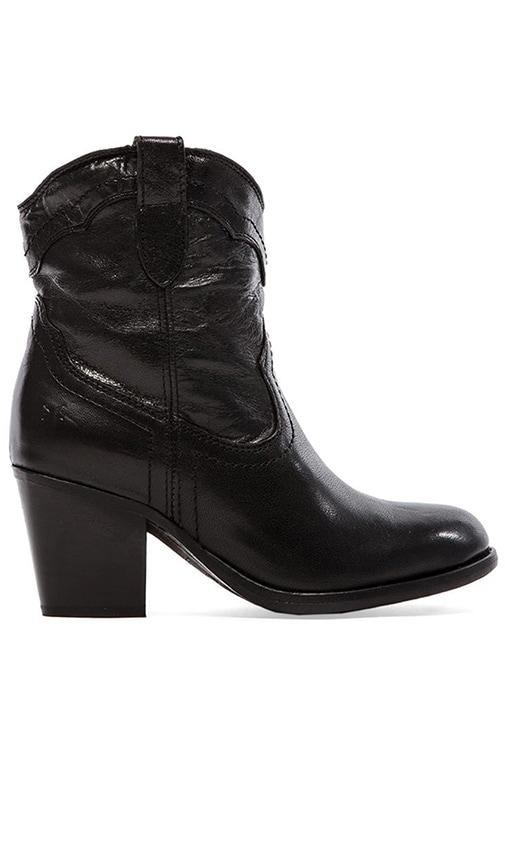 Tabitha Pull On Short Boot