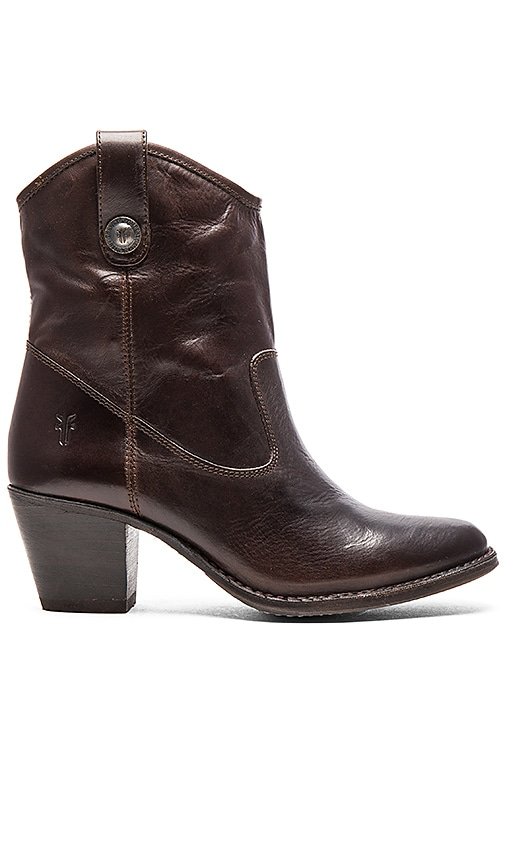Frye Jackie Button Short Boot in Chocolate