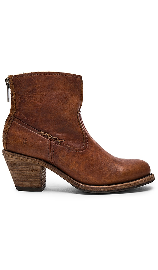 Frye Leslie Artisan Short Boot in Cognac