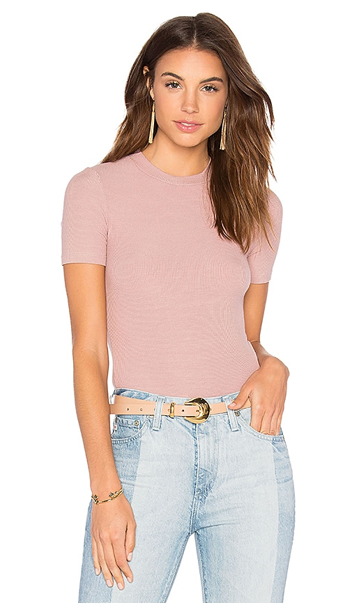 GETTINGBACKTOSQUAREONE Short Sleeve Crop Sweater in Pink