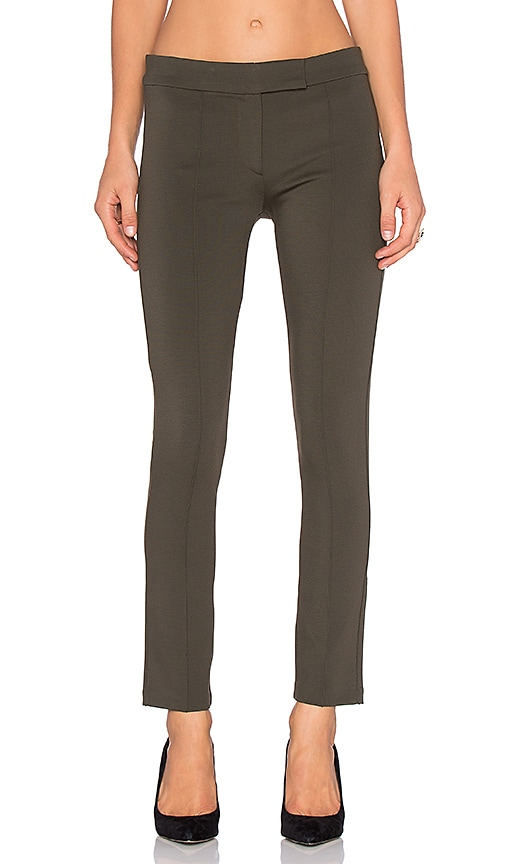 GETTINGBACKTOSQUAREONE Pin Tuck Pant in Olive Green