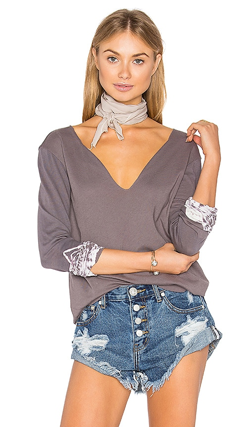 Gypsy 05 Unfinished Edge Decollete Tee in Gray