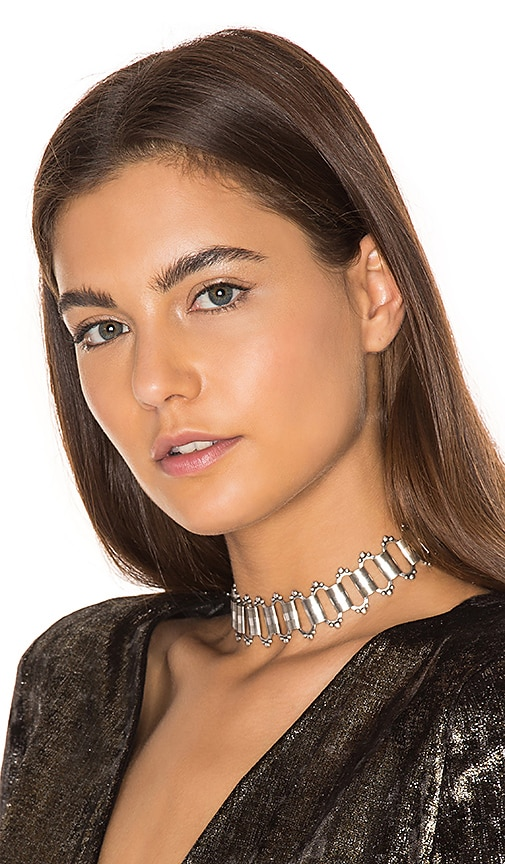 Haati Chai Tears Choker in Metallic Silver