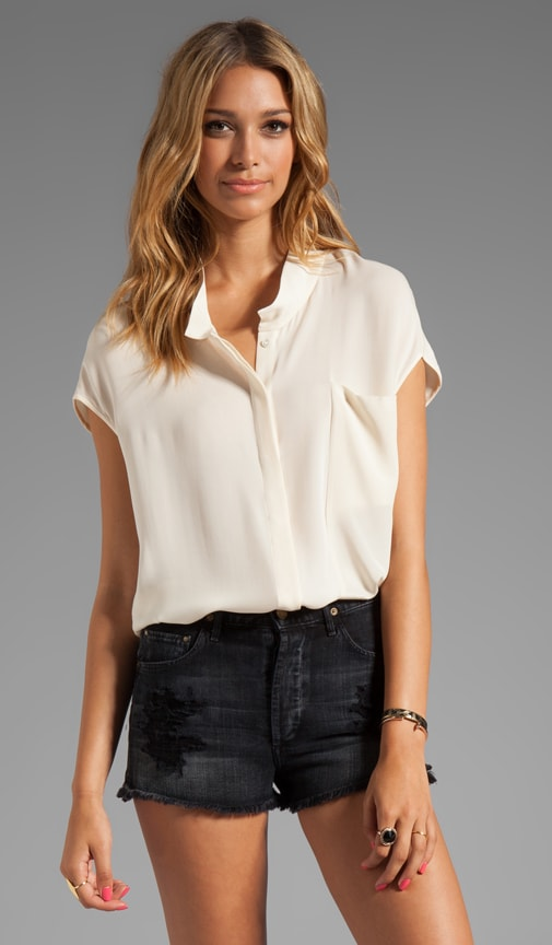 Short Sleeve Draped Collar Top With Shirttail Hem