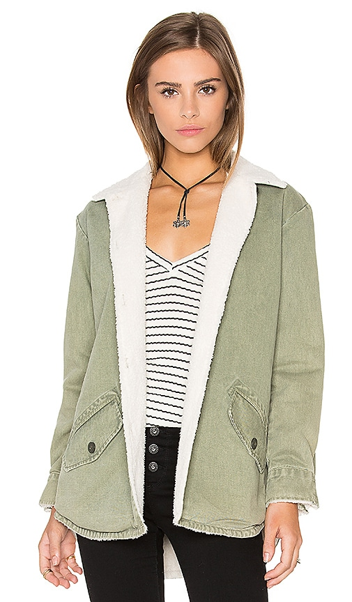 MONROW Vegan Shearling Lined Shirt Jacket in Green