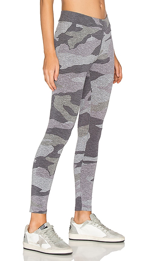MONROW Oversized Camo Legging in Gray
