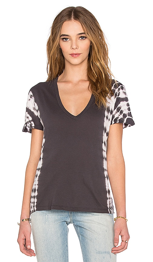 MONROW Oversized V-Neck Tee with Border Tie Dye in Charcoal