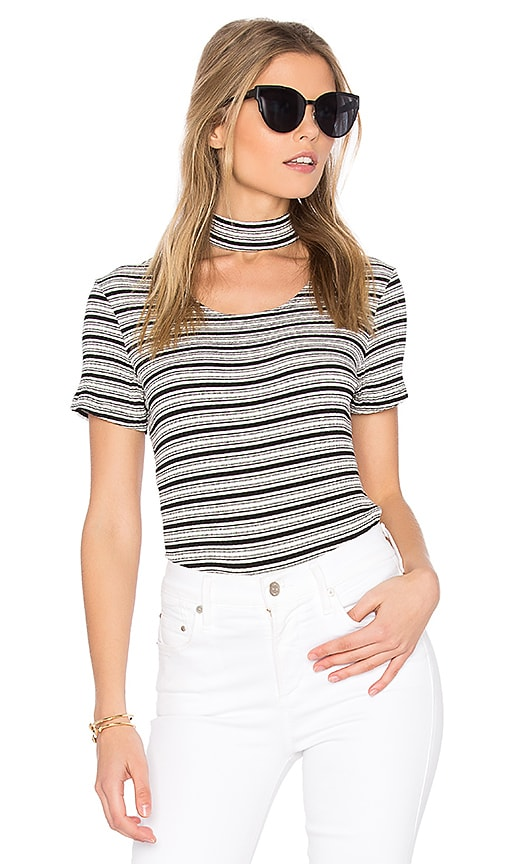 MONROW Stripe Choker Tee in Black