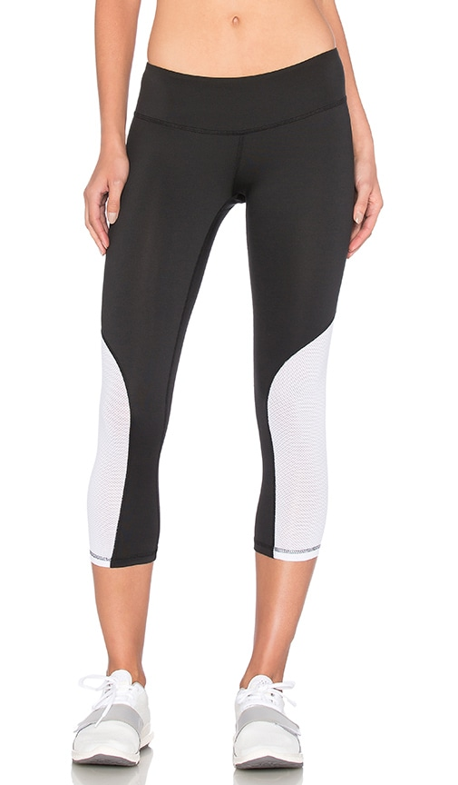 Heroine Sport Cycling Capri in Black & White