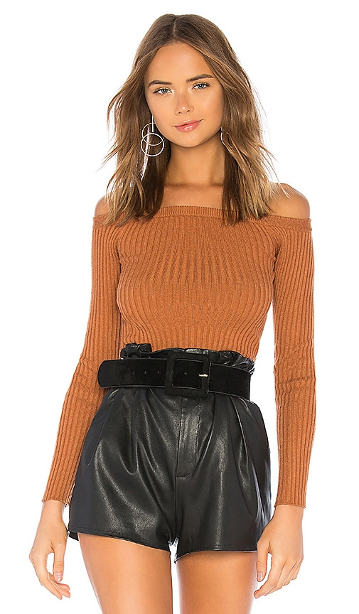 DOVE 오프 숄더 스웨터