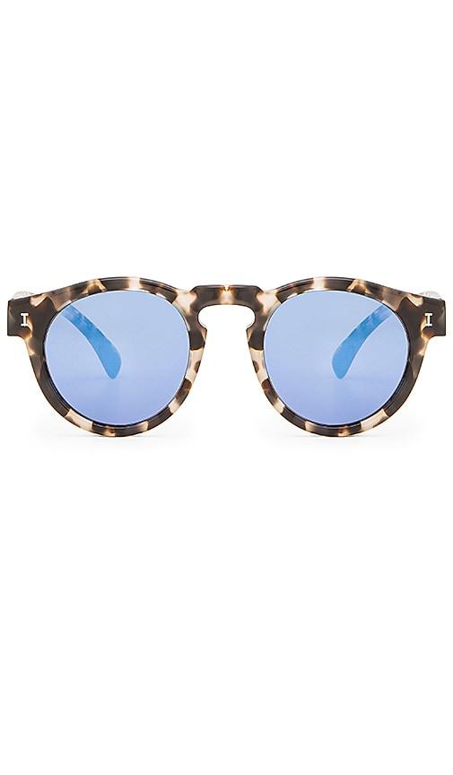 4ede101bd illesteva Leonard in White Tortoise & Blue Mirrored   REVOLVE