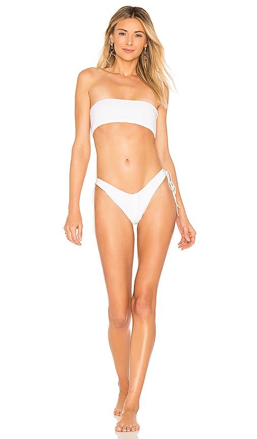 IN YOUR ARMS Nue Bikini Set in White