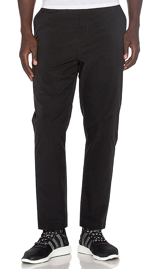 ISAORA Stretch Chino in Black
