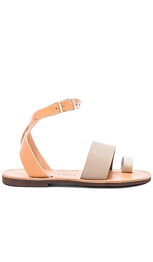 isapera Dune Sandal in Tan