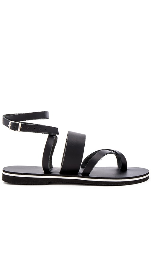 isapera Wave Sandal in Black