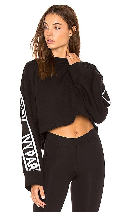 IVY PARK Logo Crop Sweatshirt in Black