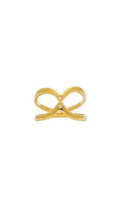 Inward Twin V Ring