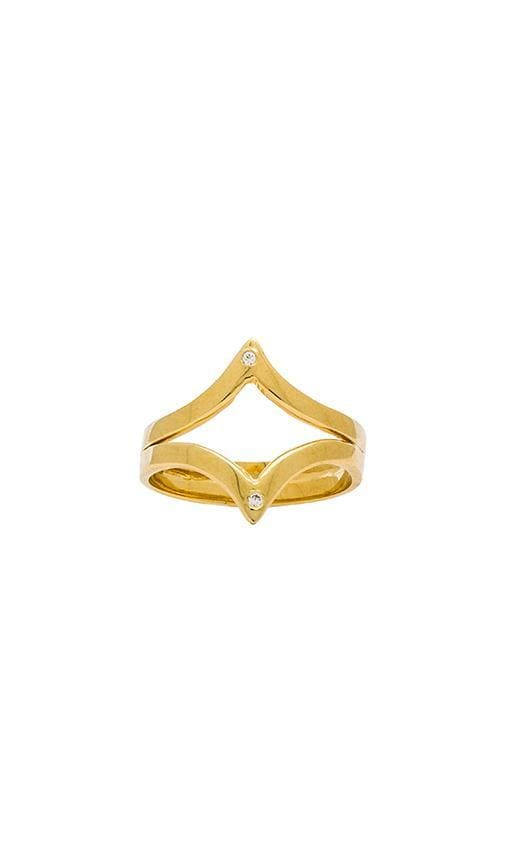 Outward Twin V Ring