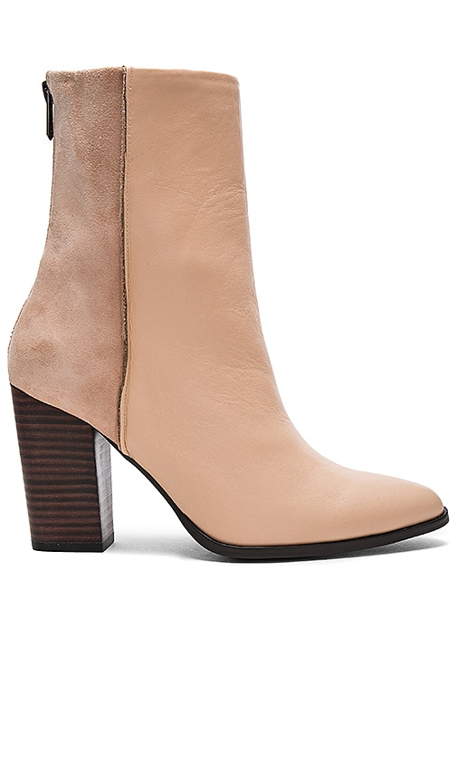 JAGGAR Batte Boot in Blush