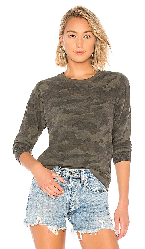 Shrunken Contrast Top in Leaf Camo