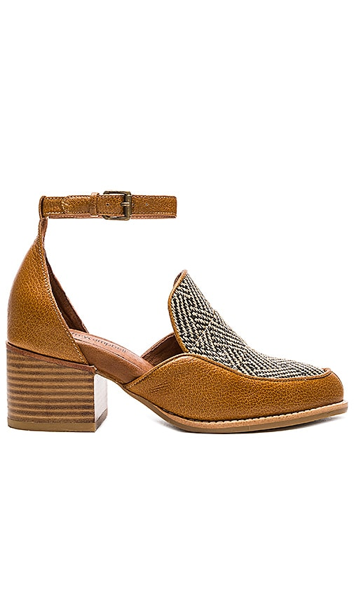 Jeffrey Campbell Walden Sandals in Tan Herringbone