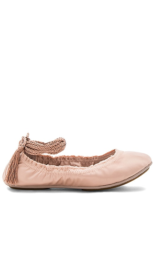 Joie Bandele Flat in Rose