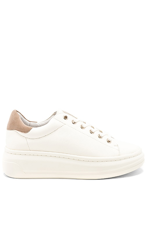 Miriam Sneaker