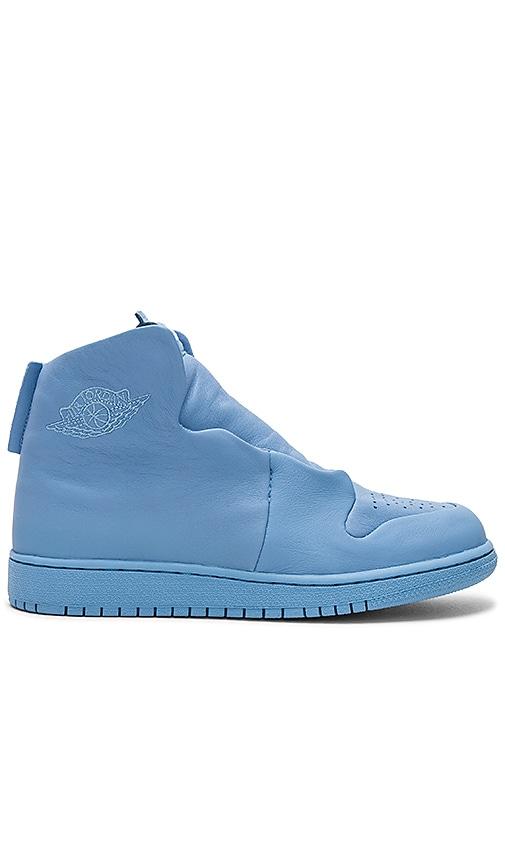 Jordan AJ1 Sage XX Sneaker in Baby Blue