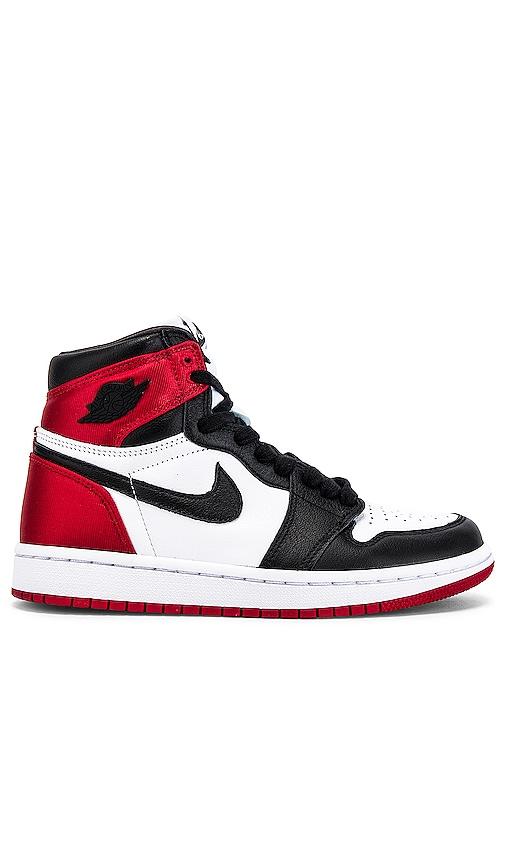 Jordan 1 High OG Sneaker in Black