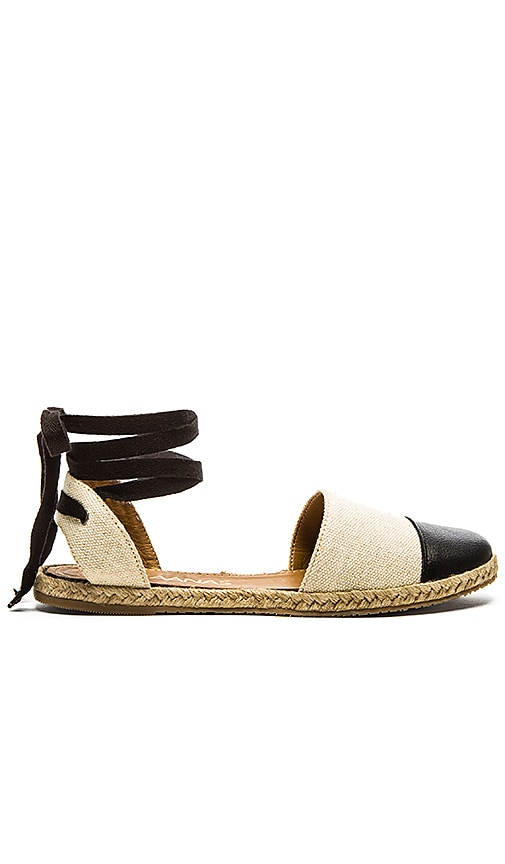 Kaanas Anguilla Sandal in Seashell & Black
