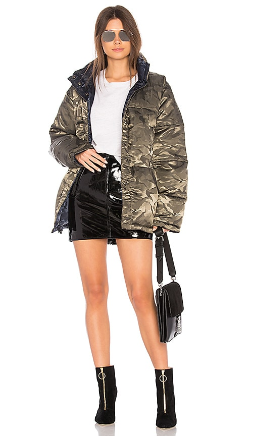 KENDALL + KYLIE Nylon Reversible Puffer Jacket in Green