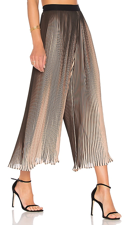KENDALL + KYLIE Pleated Pant in Black